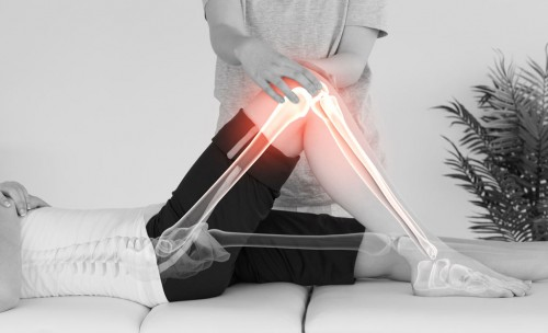 woman-at-physixcal-therapist